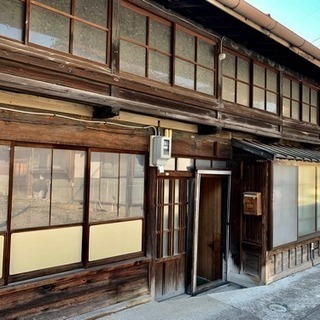 5年借りたら家と蔵がもらえる!中山道宿場町にある古民家と土地と蔵