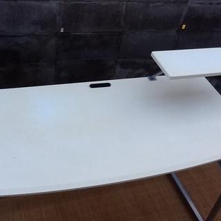 【3,000円で】シンプルイズベスト 素敵なホワイトのデスク、テーブルです 配達も可 - 京都市