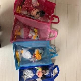 ミッキー、ミニー、ディジー、ドナルドダックの人形