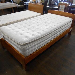 ニトリ シングルベッド『良品中古、マットレスに薄い染み、フレームに...