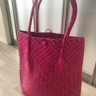 ピンクの藤のバッグ【新品未使用】