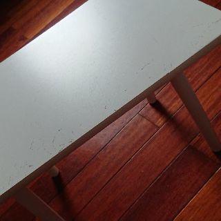 白いミニテーブル  木製