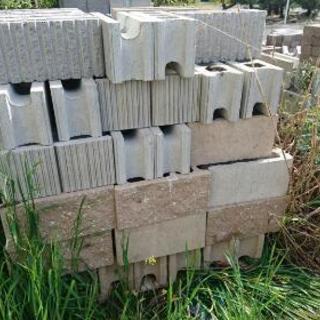 レンガ、ブロック DIYでどうでしょうか?