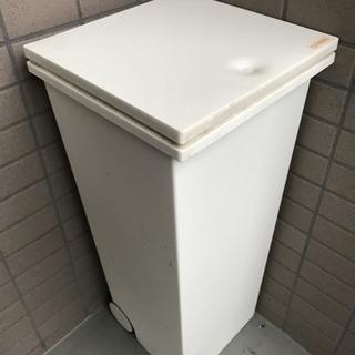 クードスクエア プッシュ型のゴミ箱