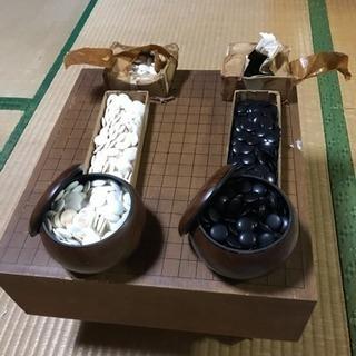 【大幅値下げ】囲碁と碁盤(約15cm)と予備の碁石