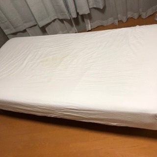 無印のシングルベッド【新品のシーツ付けます】