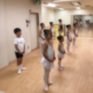 バレエ 幼稚園クラスに月2回コース誕生