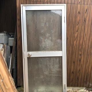 【受け渡し終了】アルミサッシ ドア ガラス付き