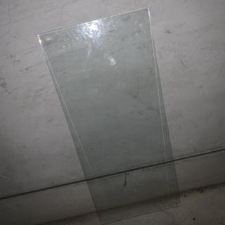 値下げ。頑丈なガラス。DIY等に。5枚あります。