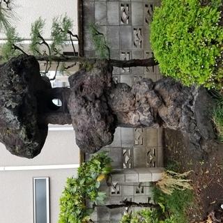 ▽希少・溶岩石・灯篭・高さ約2m40㎝ 引き取りのみ・庭石・造園...