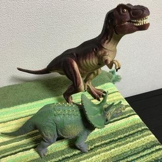 ティラノサウルス等、6種類の恐竜フィギュア✖️7体