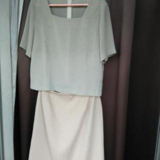 サラサラのブラウススーツ