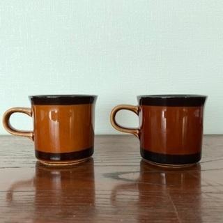 コーヒー色のコーヒーカップ大小8個