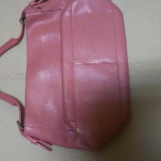 さくら色のハンドバッグ