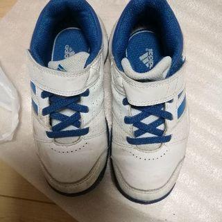 子供用テニスシューズ17cm adidas