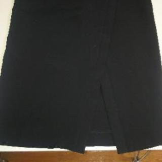 ストレッチ性タイトスカート