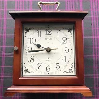 引き出し付き 時計