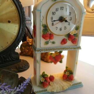 苺の振り子時計