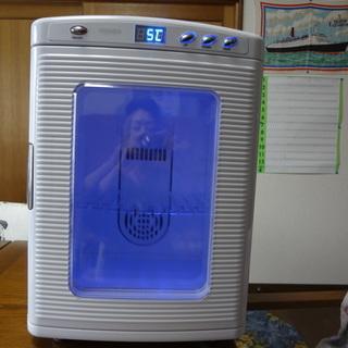 これからの季節に最適 ベルソス 25L ポータブル冷温庫(ホワイト)