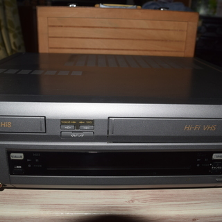 SONY Hi8/VHSのWデッキ<ジャンク品・近々処分予定!>