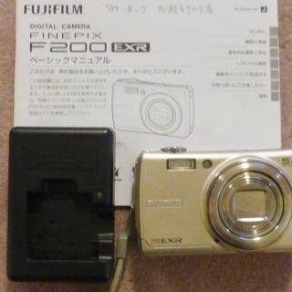 デジタルカメラ●FINE PIXF200EXR