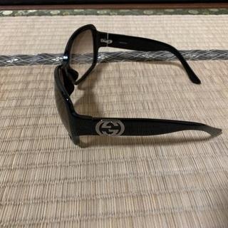 グッチのサングラスとケース