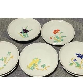 花の絵付け平皿
