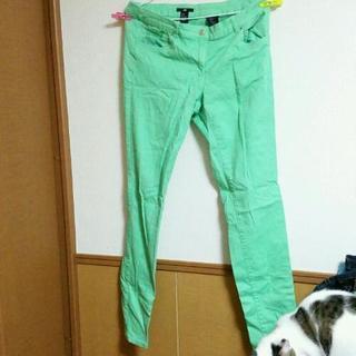 【H&M】緑系ストレートパンツ
