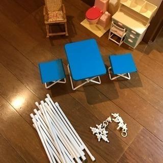 リカちゃん人形のテーブル、机、トイレ、バスタブなど