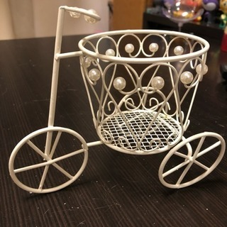 針金でできている自転車