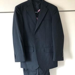 【スーツ】黒に白ストライプ  Y4