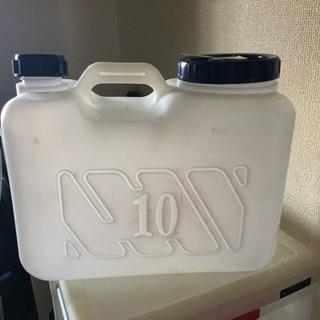 給水タンク  残り20ℓカバー無しのみ