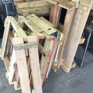 木枠パレットや材木