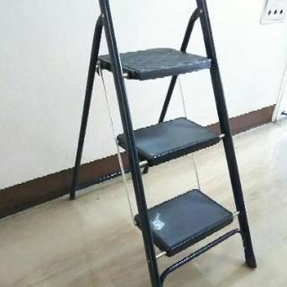 (お取引完了)ステップ3段折りたたみ脚立 室内使用