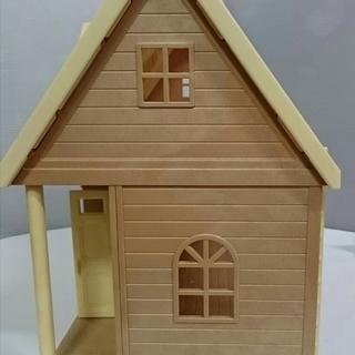 【中古】シルバニアファミリー きいちご林のお家 家具・人形付き - 佐世保市