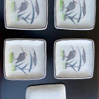 鳥柄の小皿