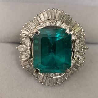 業歴40年の米国宝石学会認定鑑定士(GIA.G.G.)が、ダイヤ...