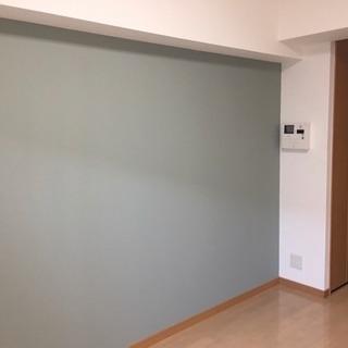 壁紙は塗り替える事で大幅に料金と時間を抑えることが出来るんです!