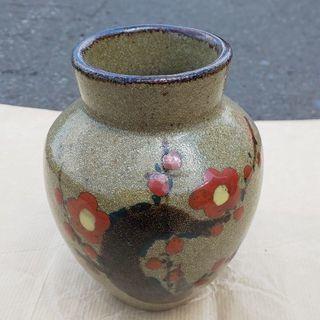 小ぶりな壺?花瓶?(*^▽^*)