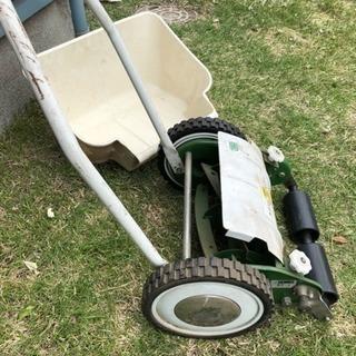 【決定しました】芝刈り機 手動でコロコロ動かして使用します♬