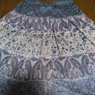 ゴムのウエスト レースのフレアースカート