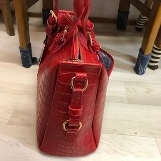 赤ハンドバッグ☆値下げしました。の画像