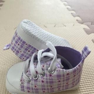 未使用の靴。サイズ11cm