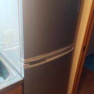 SAMSUNGの冷蔵庫、引っ越しするため不要になりました。