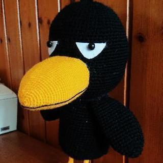 毛糸や糸で小物を手編みします♪