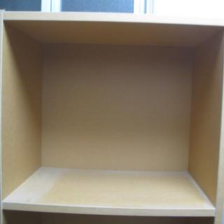 本棚 ベージュ 五段 高さは179センチぐらい早期に処分予定