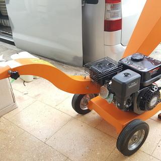 粉砕機 ウッドチッパー エンジン粉砕機 樹木粉砕機 6.5馬力 ...
