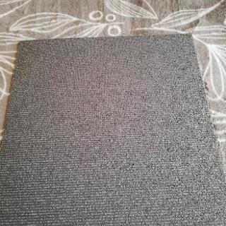 500×500タイルカーペット