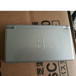 Nintendo DS Lite 本体