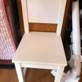 小さい椅子
